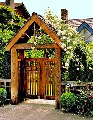 5 inexpensive ways to make your garden gate simply for Fence with arbor